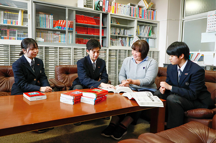 赤塚 学園 看護 専門 学校